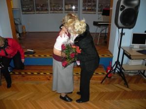 Wręczenie kwiatów Pani Aurelii Polańskiej